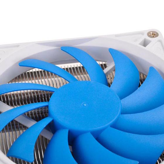 Includes compact 92mm PWM fan