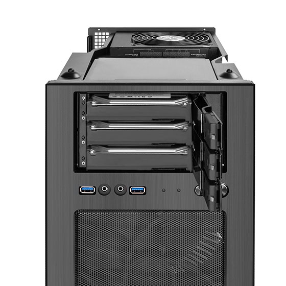 "Supports three 3.5"" SAS / SATA hard drives and speed up to 12Gbit/s with tray-less and screw-less design"