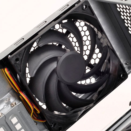 1 x 120mm fan (compatible with 120mm radiator)