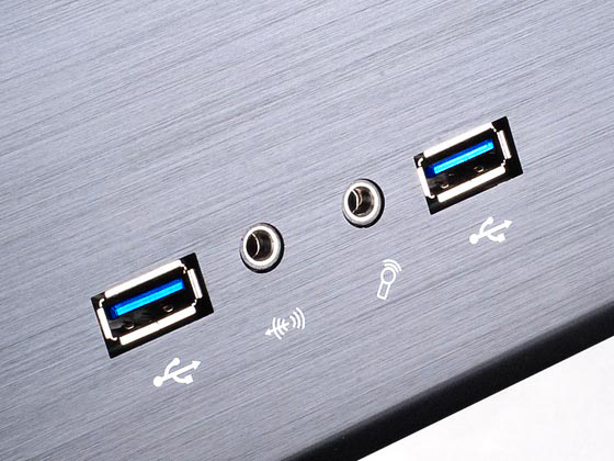Dual USB 3.0, audio, and microphone ports