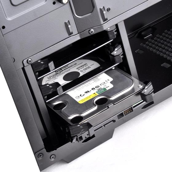 "Three 3.5"" drive bay (compatible with 2.5"")"