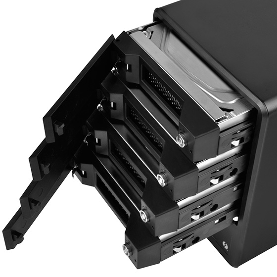 "Supports four 2.5""/3.5"" SATA HDD/SSD"